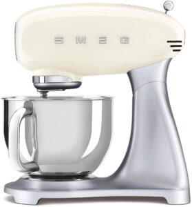 Smeg SMF02CREU Robot de cuisine Crème 4,8 L